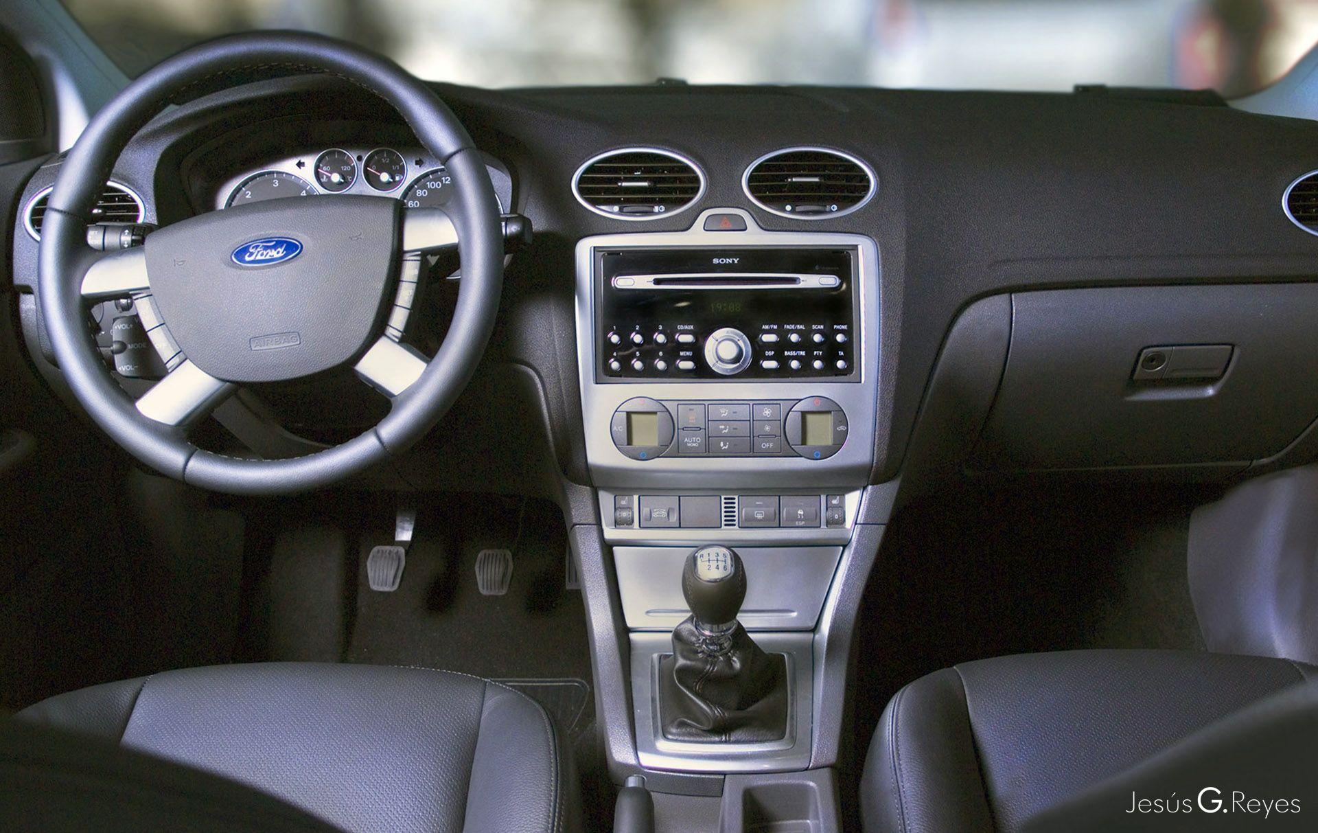 Salpicadero vehículo Ford